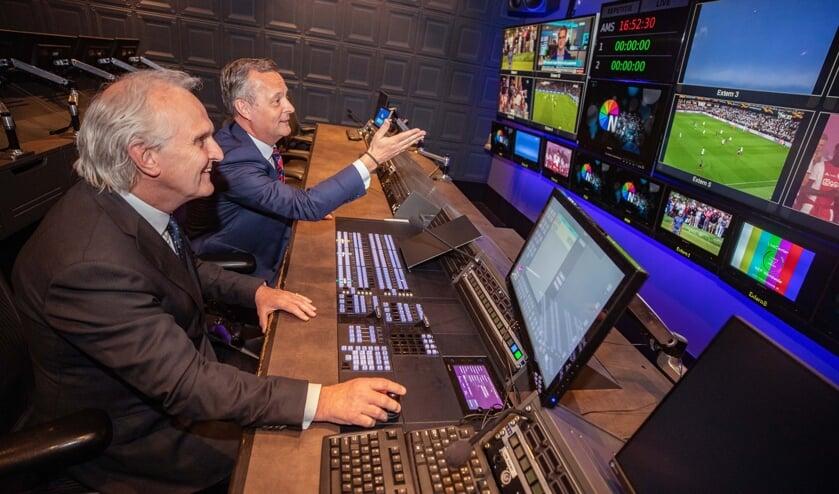 Burgemeester Broertjes en commissaris van de Koning Van Dijk achter de knoppen bij NEP.