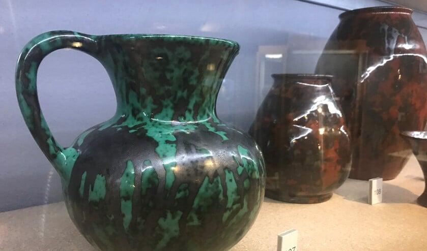 Het groene glazuur van ESKAF is kenmerkend, maar er is nog veel meer gemaakt in Huizen.