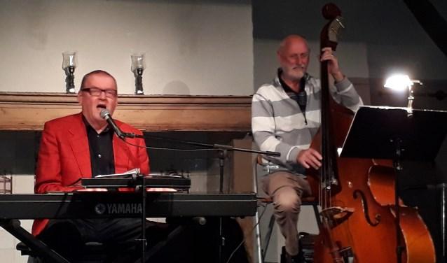Clous van Mechelen en Nol van Bennekom met liedjes van Tol Hansse.