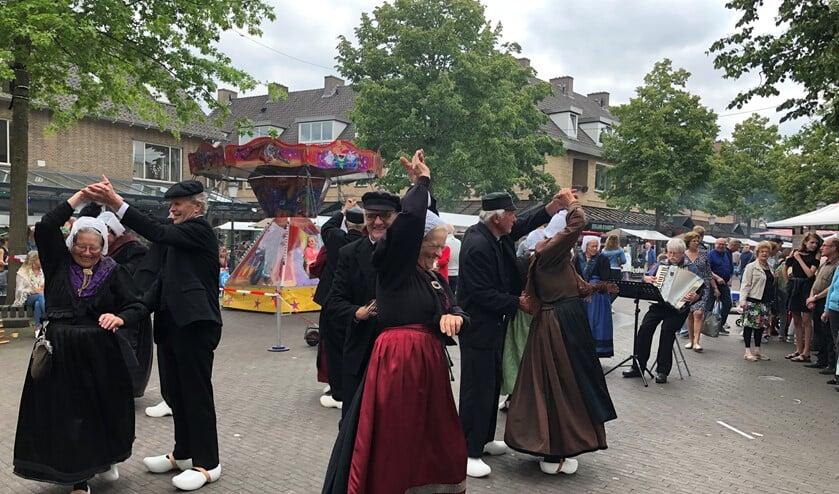 De Klepperman van Elleven in actie tijdens de Huizerdag.