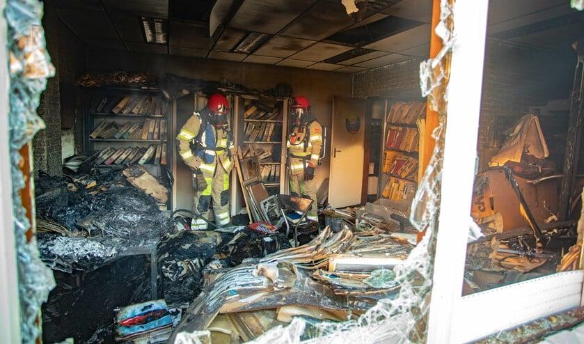 De schade van de brand is aanzienlijk.