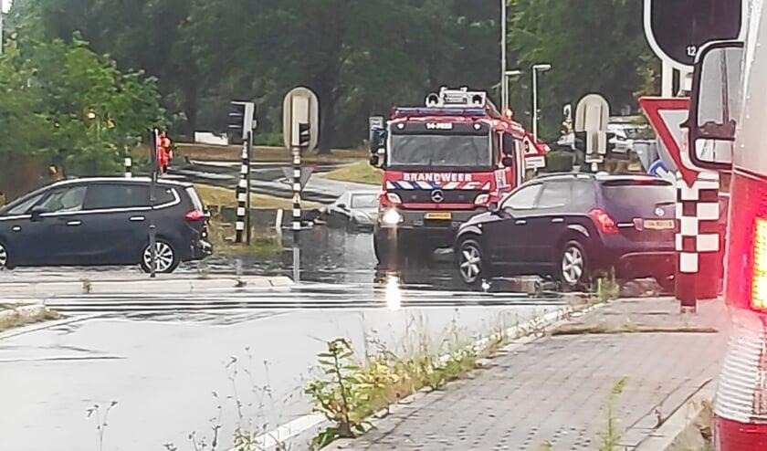 De brandweer moest ook uitrukken bijvoorbeeld hier bij de oprit van de A1 ter hoogte van het ziekenhuis in Blaricum.