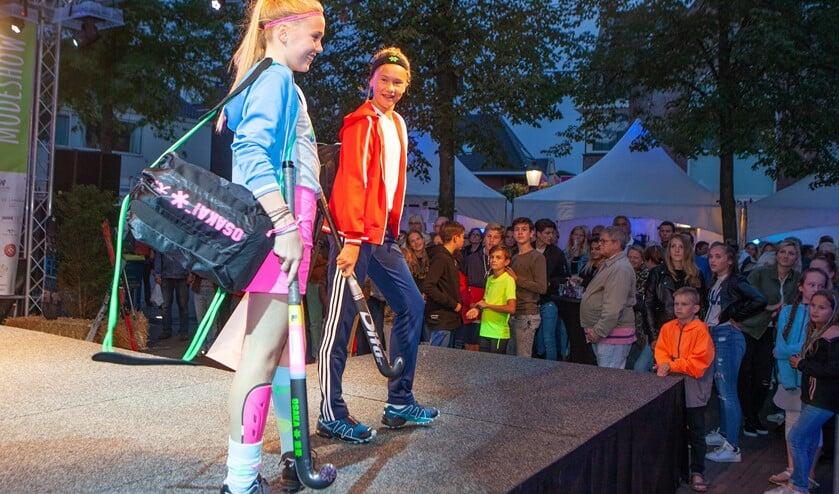 Naast de modeshow komt er ook een verkiezing van het Huizer Melkmeisje dit jaar tijdens het Voorproefje op vrijdag.