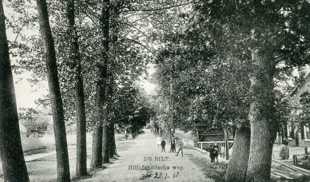 De Bunnikseweg werd in 1918 nog niet onderbroken door de rondweg.  Dit gedeelte van de Bunnikseweg werd ook wel de Hillebrandseweg genoemd. Later is de straatnaam van dit gedeelte van de Bunnikseweg gewijzigd in Kapelweg.