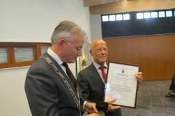 Arjen Gerritsen met de Erepenning van de gemeente De Bilt.
