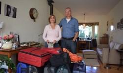 Met volgepakte koffers gaan Indra en John weer naar hun geliefde Ghana.
