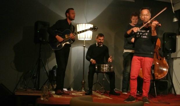 Thailo en zijn band