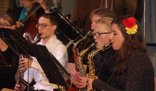 Het Klein Harmonieorkest is muzikaal, jong en dynamisch, en kan altijd nieuwe leden gebruiken. Kom eens kijken bij de repetitie op vrijdagavonden van 18.30 tot 19.45 uur en raak onder de indruk van dit gezellige en prima spelende orkest