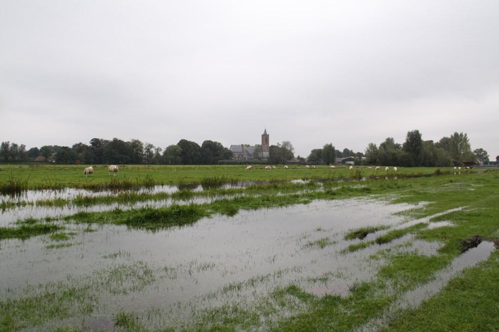 In bepaalde tijden van het jaar kan het behoorlijk nat zijn in Westbroek.  Foto: Karien Scholten © De Vierklank