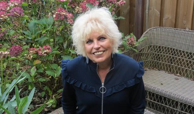 Duizendpoot Anneke Iseger is de auteur van de komische thriller.