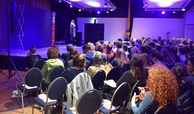 Meer dan 250 belangstellenden bezochten de officiële opening van Ouders Lokaal.