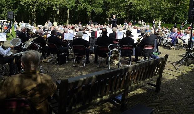 Voor het Senioren Harmonie Orkest Provincie Utrecht speelt met veel plezier muziek.