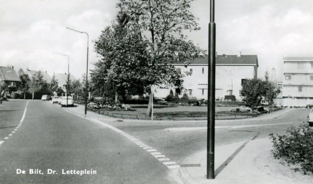 Een foto van het Dr. Letteplein in 1967