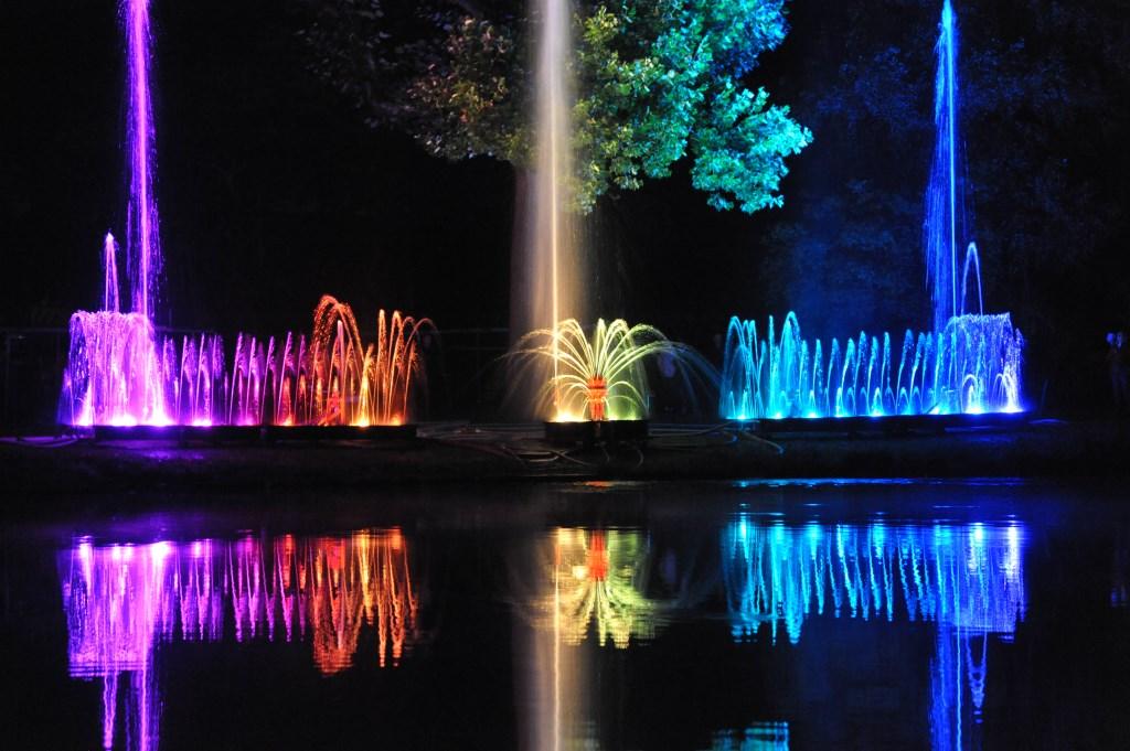 Het waterorgel symboliseert door het samenspel van water, muziek en licht de vriendschappelijke samenwerking tussen De Bilt en Coesfeld. Foto: Piet van Trigt) © De Vierklank
