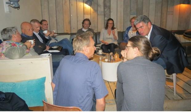 Het eerste Politieke Café van D66 bij PK Bar & Kitchen in Bilthoven