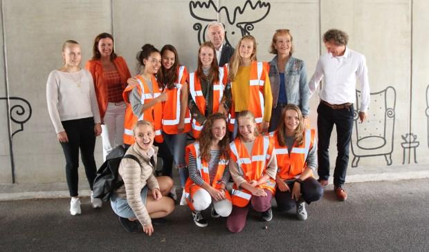 Leerlingen van de Stichtse Vrije School in Zeist ontwierpen en realiseerden een kunstwerk in de fietstunnel bij landgoed Vollenhoven.