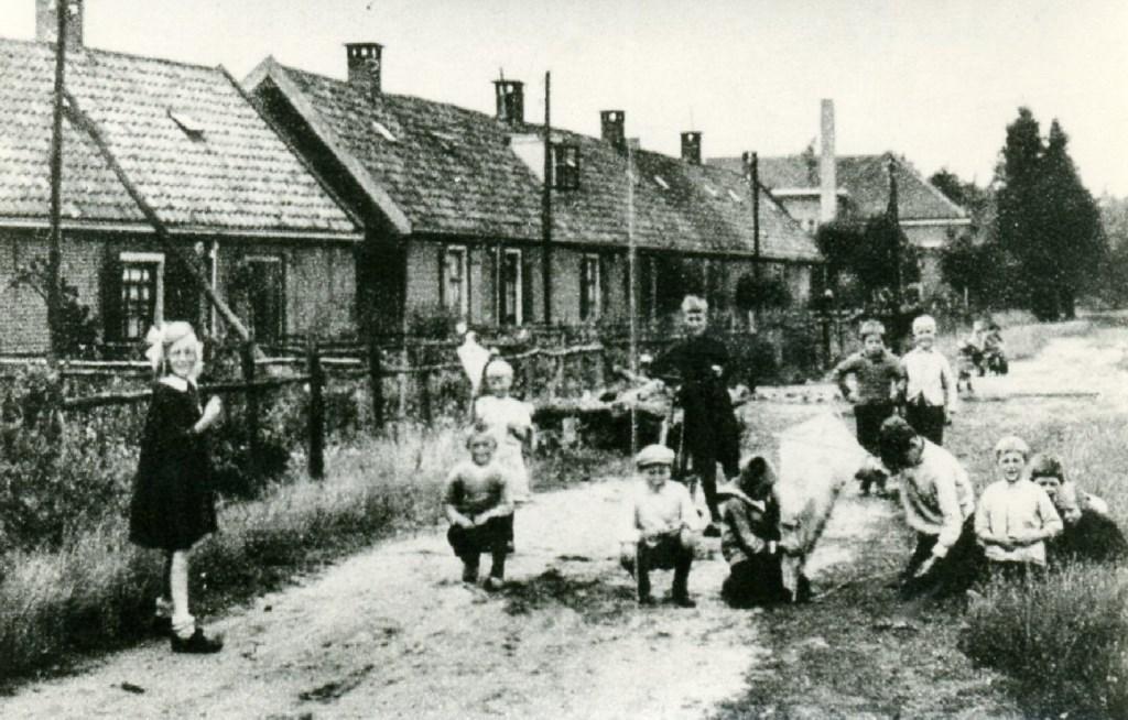 Achter de Vinkenlaan en de Julianalaan tegen de bosrand aan lag Het Jodendom (Koekoeklaan, Koekoekdwarslaan en de Lange Buurt); een karakteristieke arbeiderswijk.