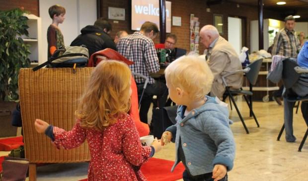 Kinderen zijn welkom tijdens het repaircafé.