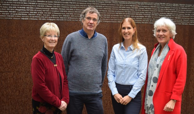 Lauk Spelberg, Evert van Leersum, Janneke van Valkenburg en Koosje Vos-Butijn heten iedereen van harte welkom tijdens Allerzielen.
