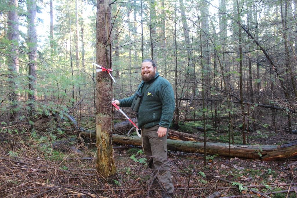 Rolf Dijkstra maakt vooraf een inventarisatie van flora, fauna en archeologische elementen. Hierbij worden bijvoorbeeld nestbomen en dassenburchten aangegeven in het terrein om deze te ontzien tijdens de werkzaamheden.