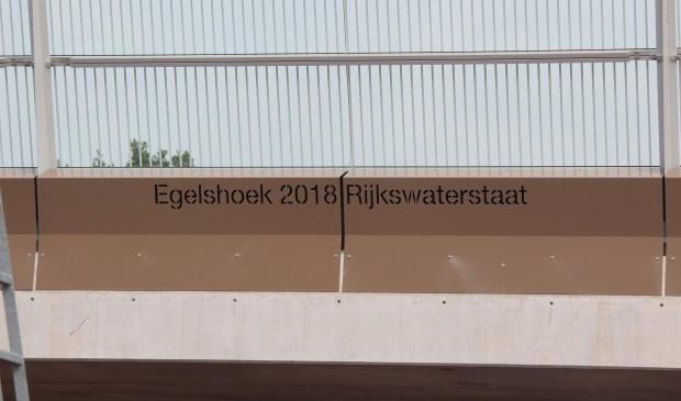 RWS noemt het viaduct in Hollandsche Rading 'Egelshoek'. Egelshoek is een buurtschap in de gemeente Hilversum.