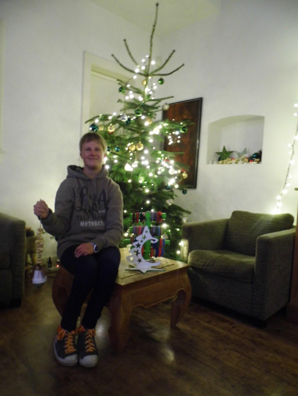 Shanna Zwenger is al in september begonnen met het maken van cadeautjes voor de Warme Winter Ontmoeting.