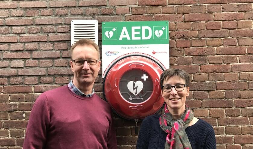 Lilian Beenen en Jan Pieter Smits van de Stichting Hartslag De Bilt.
