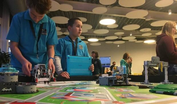 Leerlingen van Het Nieuwe Lyceum nemen deel aan de Beneluxfinale.