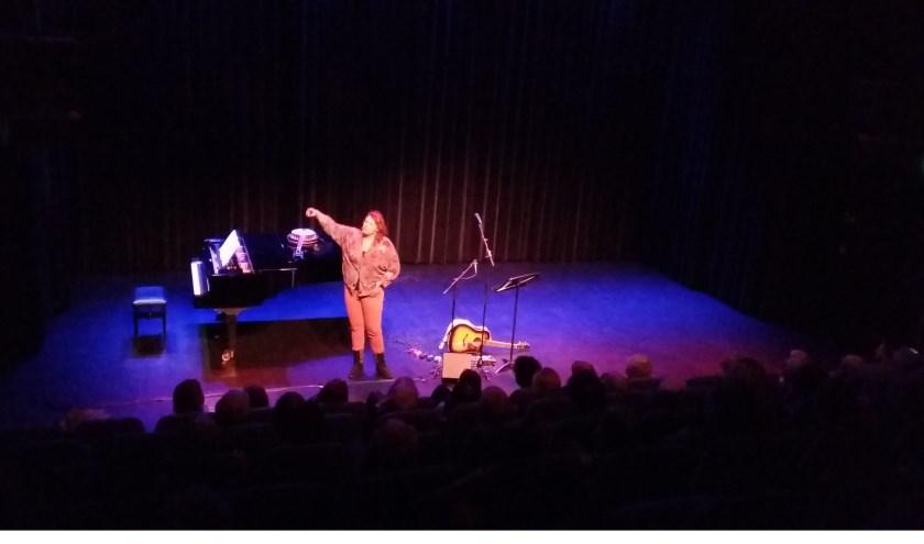 Kiki Schippers in Theater Het Lichtruim.