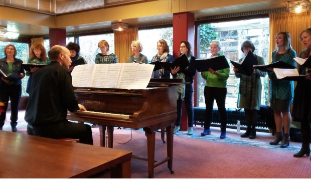 With Pleasure geeft een prachtig optreden in De Schutsmantel.