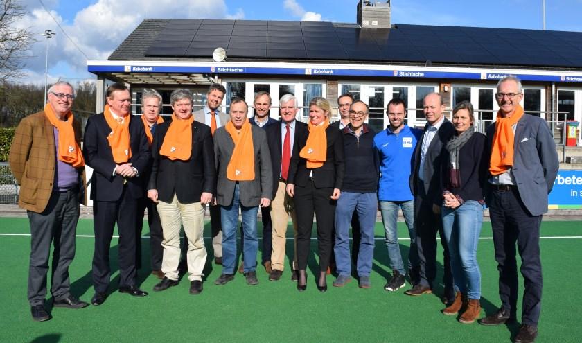 Minister Bruno Bruins, VVD-leden Bilthoven, bestuurders van sportclubs en professionals uit de gezondheidszorg spraken met elkaar over Gezondheid, Sport en Bewegen
