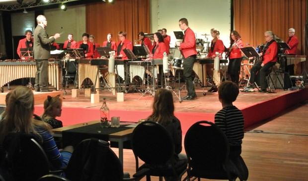 Zaterdag 31 maart werd Arie Roelofsen benoemd tot eredirigent van de Koninklijke Biltse Harmonie (KBH) tijdens een wervelend afscheidsconcert met de Melodie Percussiegroep (MPG).