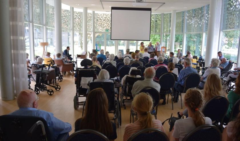 Woensdag 6 juni vond de opening plaats van de expositie Levensverhalen in Huize Het Oosten in Bilthoven, een project voor alle brugklassers van Het Nieuwe Lyceum.