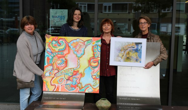 V.l.n.r. voor Het Lichtruim: Susan van Duijkeren-Gerritsen, Emmy de Jong, Cathy Worrell en Annemieke Keijzer.