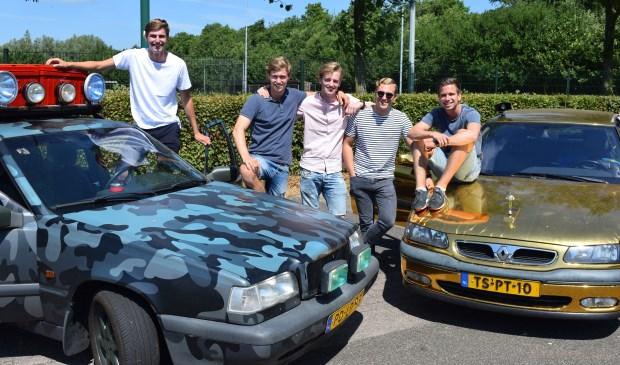 Stijn, Thijs, Abram, Ruben en Joost hopen een mooie Trabbie te winnen.