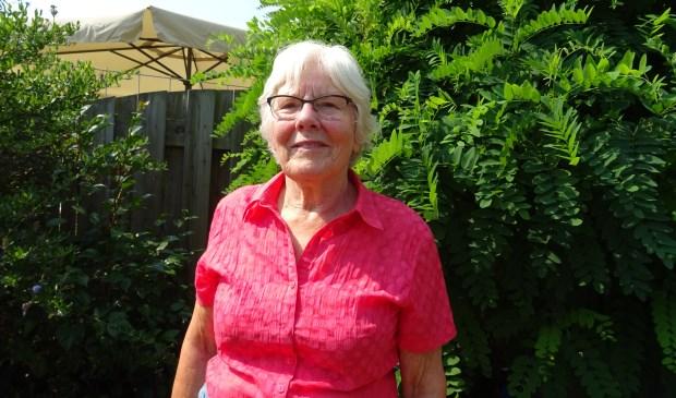 Riet Schuurman heeft 20 jaar met veel plezier klanten thuis bezocht en ze veel leesplezier bezorgd.