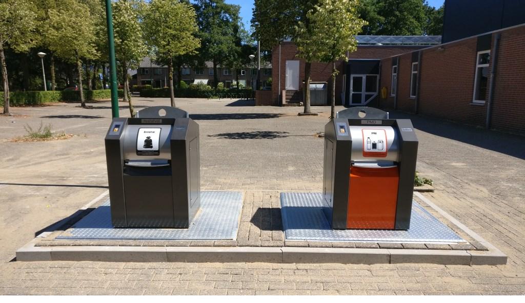 De nieuw te plaatsen containers voor restafval en PMD aan de Graspieper zijn gerealiseerd.  © De Vierklank