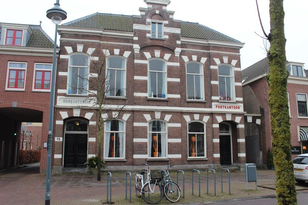 Het oude postkantoor aan de Dorpsstraat in De Bilt.  © De Vierklank