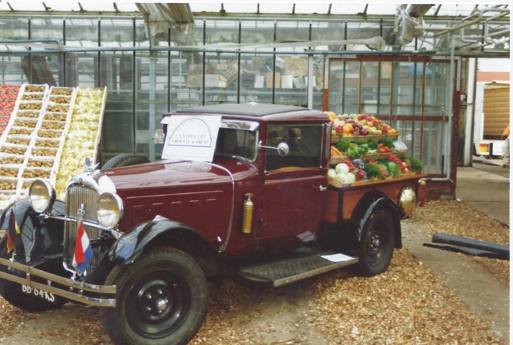 In 1994 in de voormalige kassen van Rijksen aan de Molenweg te Maartensdijk werd een Najaarsmarkt gehouden, waar ook Landwaart aan mee deed.  © De Vierklank