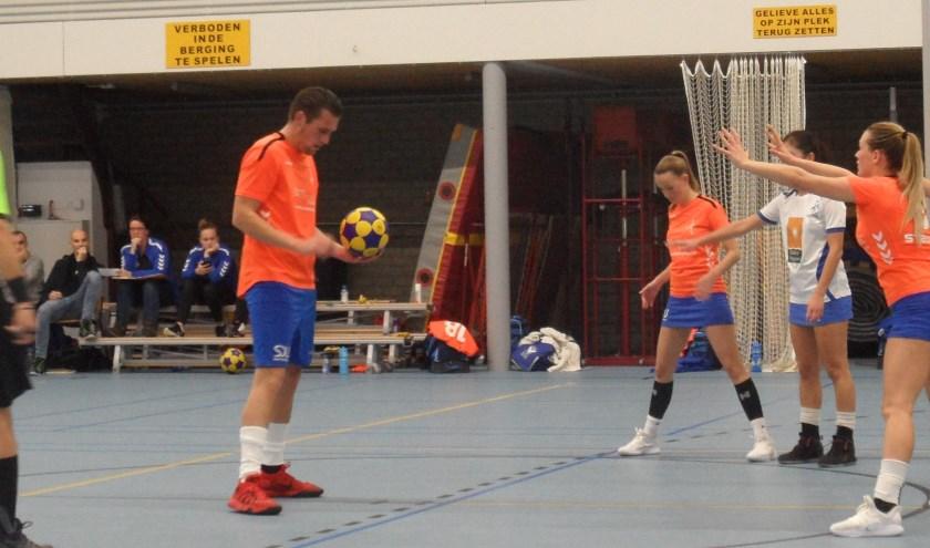 Mathijs de Rooij staat klaar voor één van zijn doelpunten.