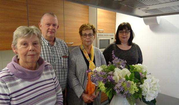 Het bestuur van Warm Hart met v.l.n.r.: Corrie Tersteeg secretaris, Ad Tersteeg penningmeester, Henny van Engelen voorzitter, Cindy van Engelen algemeen bestuurslid.