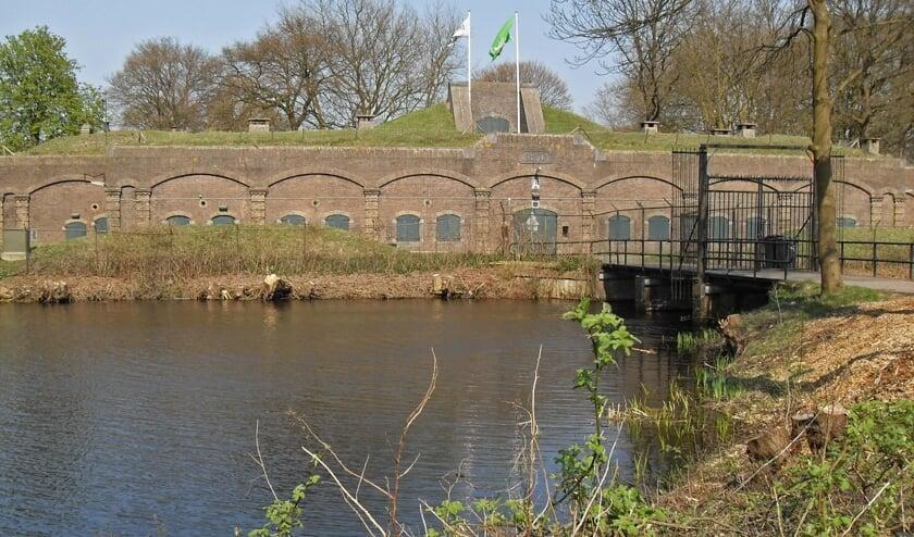 Fort Ruigenhoek en toegangshek