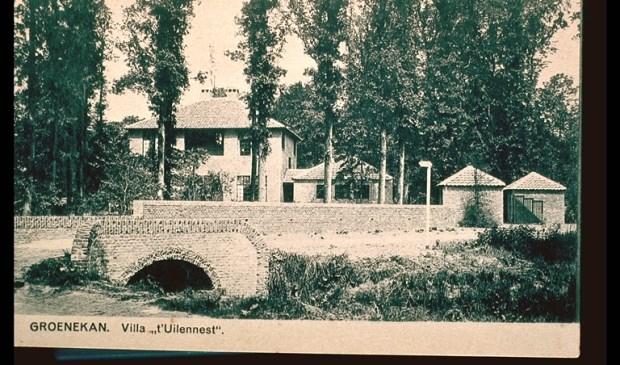Villa 't Uilennest in de dertiger jaren, het pand is nu in vervallen staat.