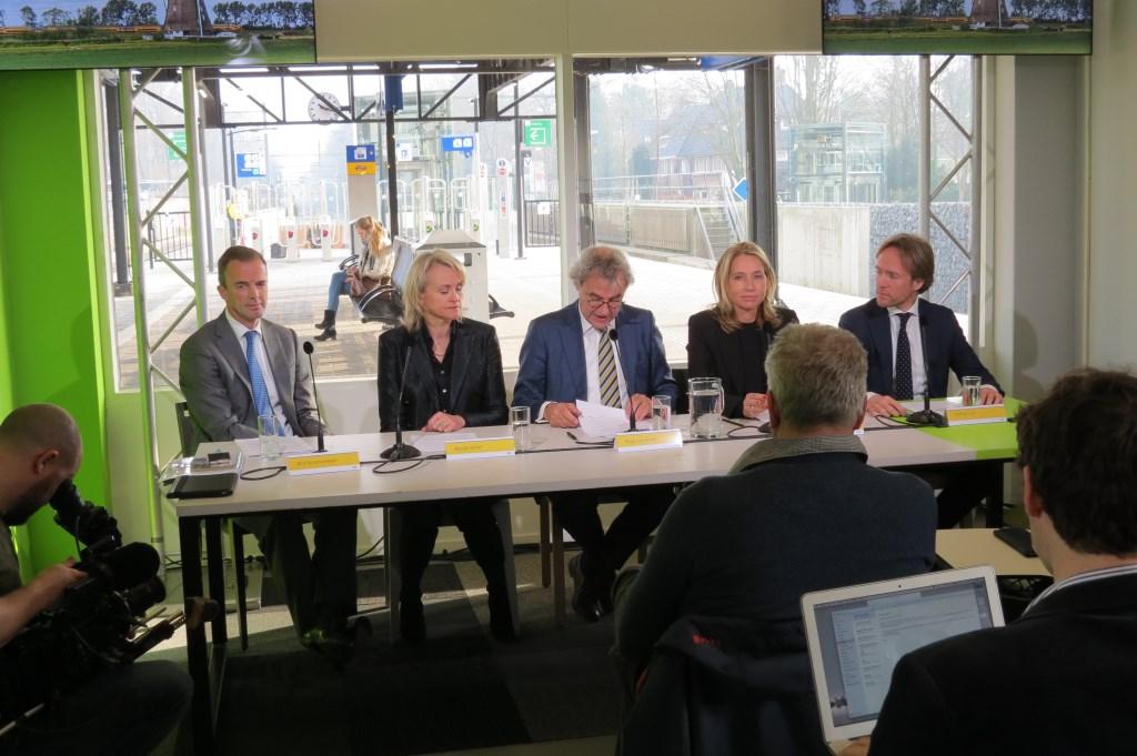 De Raad van Bestuur van NS. V.l.n.r. Bert Groenewegen, Marjan Rintel, Roger van Boxtel en Susi Zijderveld.