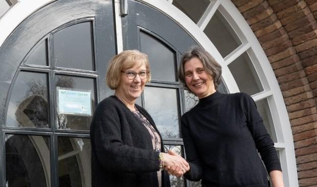 V.l.n.r. Agaath Mauritz (Het Nieuwe Lyceum) en Joanne Penning (Samen voor De Bilt). (foto Ron Jacobs)