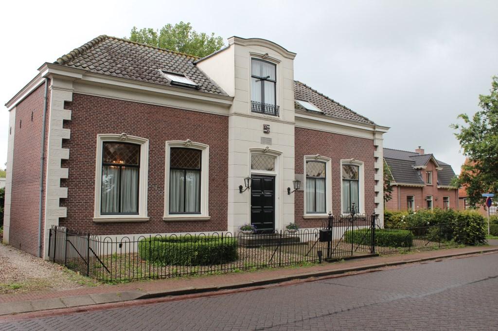 Selma van Hasselt kreeg van bevriende ambtenaar van het gemeentehuis van Achttienhoven en Westbroek een vals persoonsbewijs. (foto uit de digitale verzameling van Rienk Miedema)  © De Vierklank