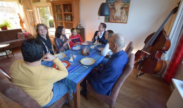 Burgemeester Sjoerd Potters Eet mee! in Maartensdijk.
