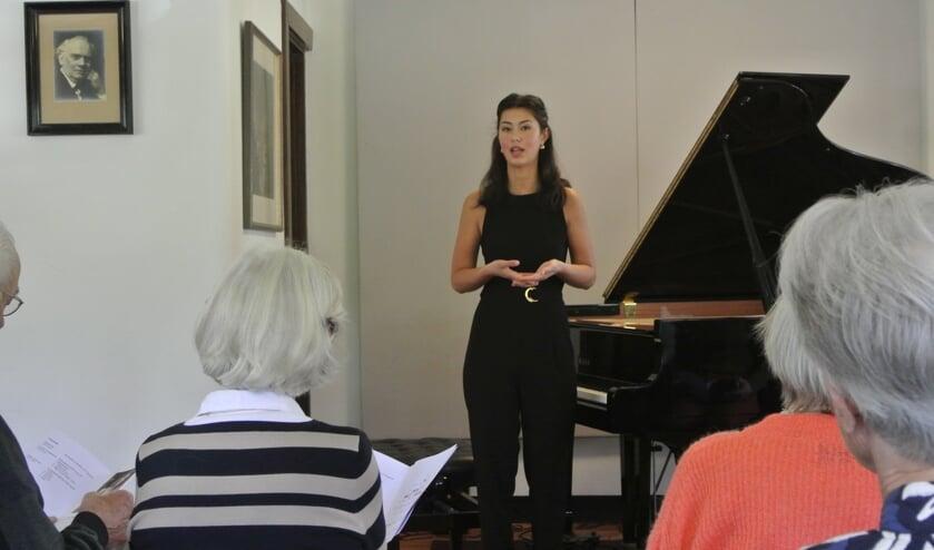 Intens geluk en grote woede waren te horen in de uitvoering van deze jonge pianiste. Het publiek gaf haar een langdurig en hartstochtelijk applaus.