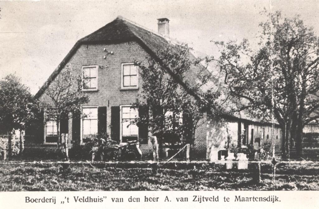 Duitse soldaten waren ingekwartierd op boerderij 't Veldhuis van de heer van Zijtveld in Maartensdijk. (foto uit de digitale verzameling van Rienk Miedema)  © De Vierklank