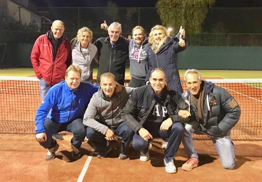 Het vrijdag gemengd dubbelteam 35+ won vrijdag met 4-0 van Baarn 3 en eindigden met maar liefst 5 punten voorsprong op de nummer 2 Tautenberg als overweldigende kampioen